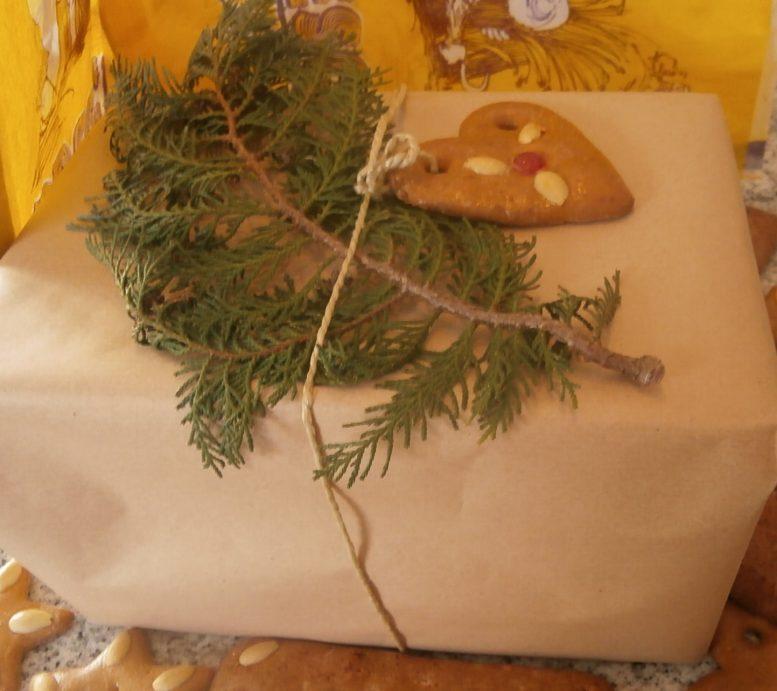 http://brotkunst-dreschflegel.de/wie-verpacken-sie-ihre-weihnachtsgeschenke-natuerlich-oekologisch-einwandfrei/